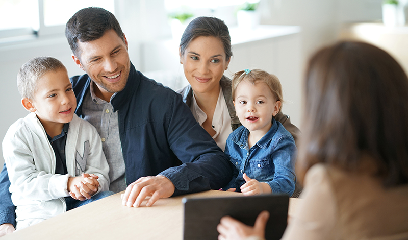 Warum sollten Sie als Immobilienerbe einen Makler hinzuziehen?